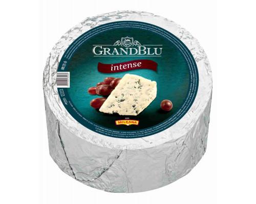 Сыр Milkana GrandBlu Интенс с голубой плесенью 56% кг