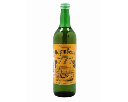 Винный напиток Портвейн 777. 0.7л